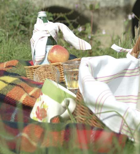 picknickk rbe picknickk rbe picknick. Black Bedroom Furniture Sets. Home Design Ideas