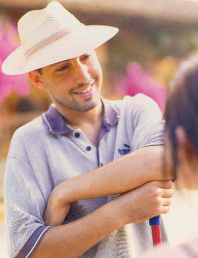 sit mobilia teak. Black Bedroom Furniture Sets. Home Design Ideas